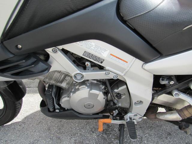 2004 Suzuki V-Strom 1000 Dania Beach, Florida 10