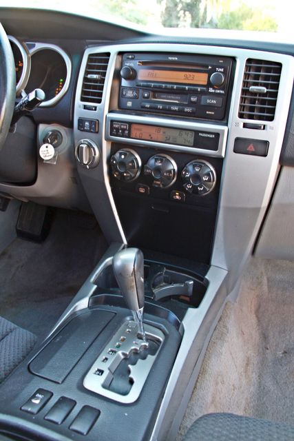 2004 Toyota 4RUNNER SR5 4WD AUTOMATIC SERVICE RECORDS ALLOY WHLS Woodland Hills, CA 19
