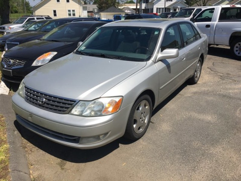 2004 Toyota Avalon XLS in West Springfield, MA