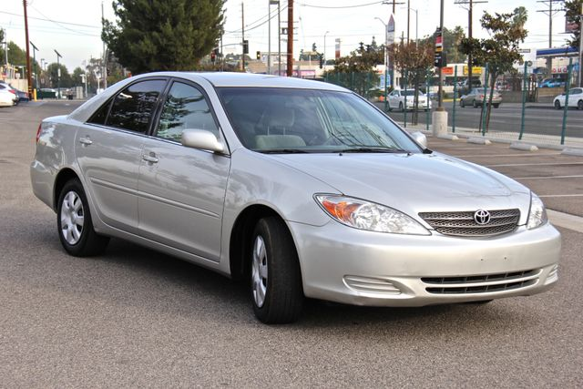 2004 Toyota Camry LE Reseda, CA 7