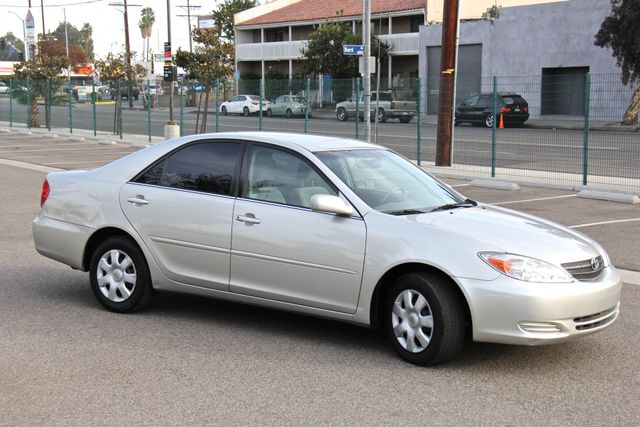 2004 Toyota Camry LE Reseda, CA 8