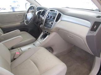 2004 Toyota Highlander Gardena, California 8