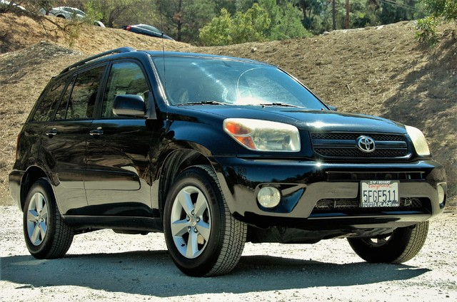2004 Toyota RAV4 L Studio City, California 0