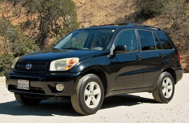 2004 Toyota RAV4 L Studio City, California 1