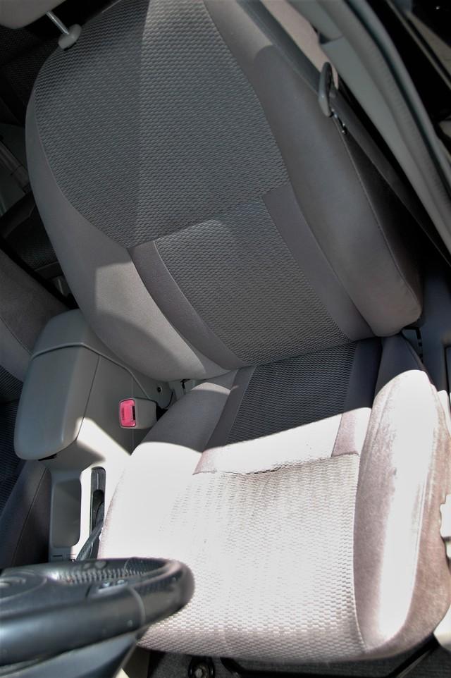 2004 Toyota RAV4 L Studio City, California 12