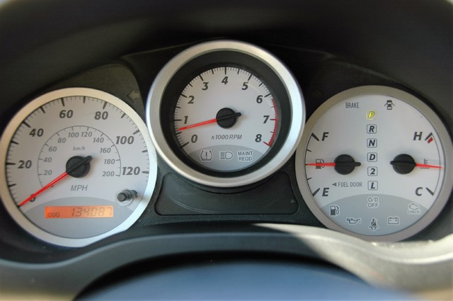 2004 Toyota RAV4 L Studio City, California 16