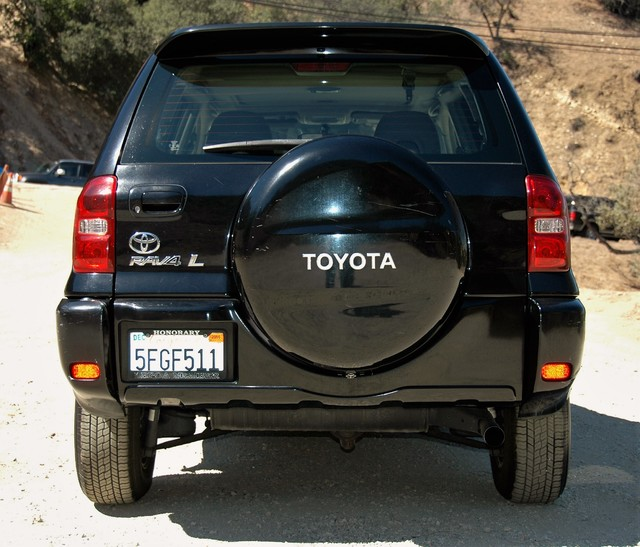 2004 Toyota RAV4 L Studio City, California 6
