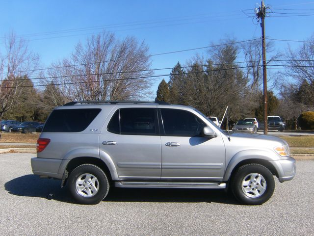 2004 Toyota Sequoia SR5 4WD West Chester, PA 1
