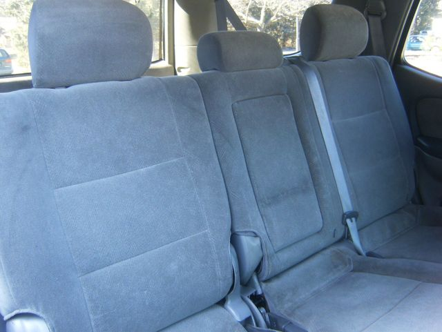 2004 Toyota Sequoia SR5 4WD West Chester, PA 11