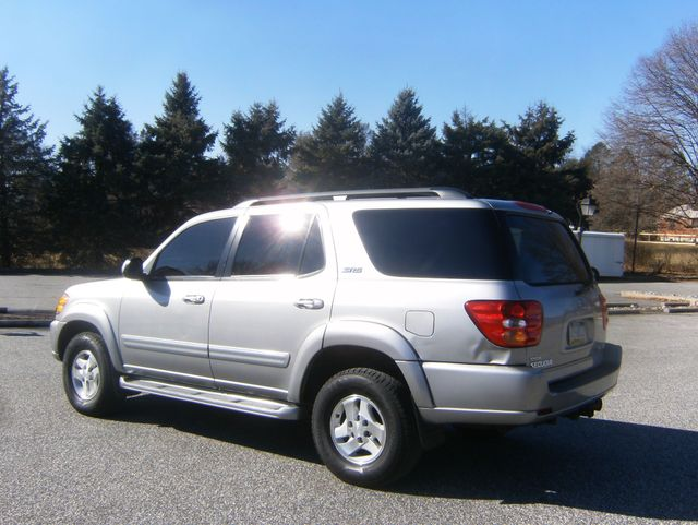 2004 Toyota Sequoia SR5 4WD West Chester, PA 3