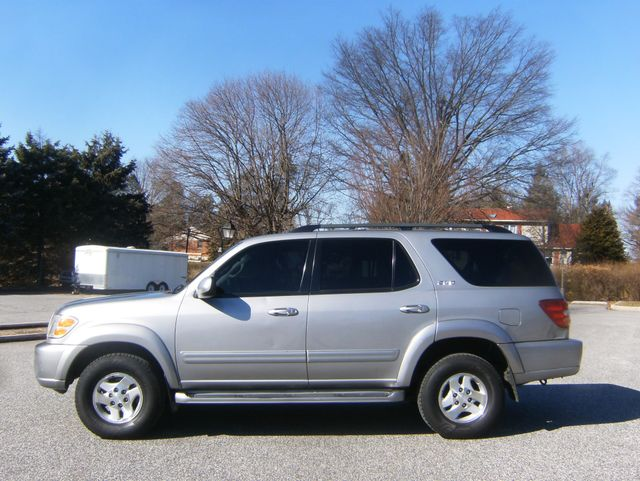 2004 Toyota Sequoia SR5 4WD West Chester, PA 4