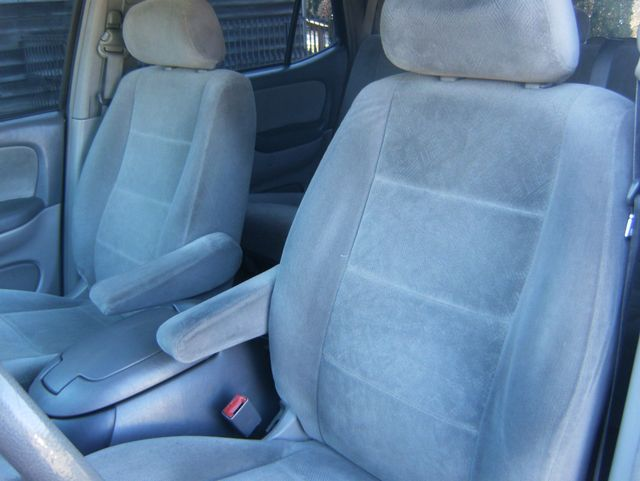 2004 Toyota Sequoia SR5 4WD West Chester, PA 7