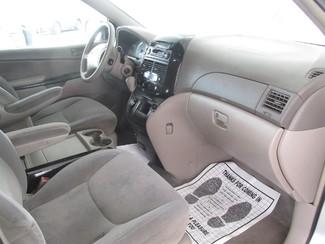 2004 Toyota Sienna LE Gardena, California 12