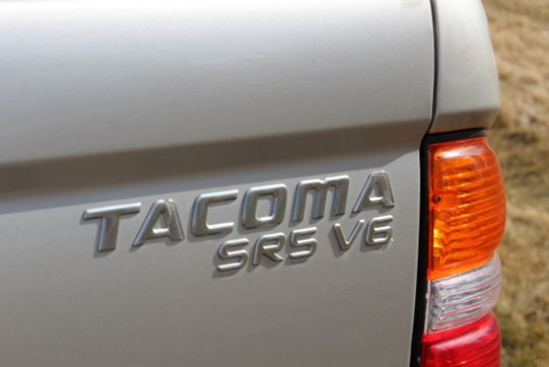 2004 Toyota Tacoma Xtracab V6 4WD  city MT  Bleskin Motor Company   in Great Falls, MT