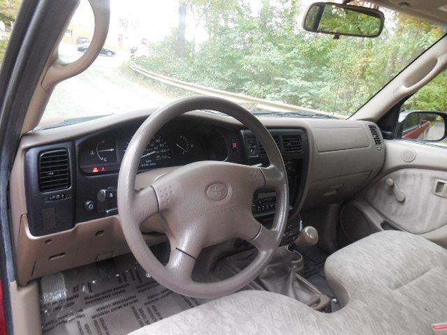 2004 Toyota Tacoma Leesburg, Virginia 18