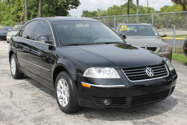 2004 Volkswagen Passat GLS  WARRANTY CARFAX CERTIFIED 15 SERVICE RECORDS FLORIDA VEHICLE TR