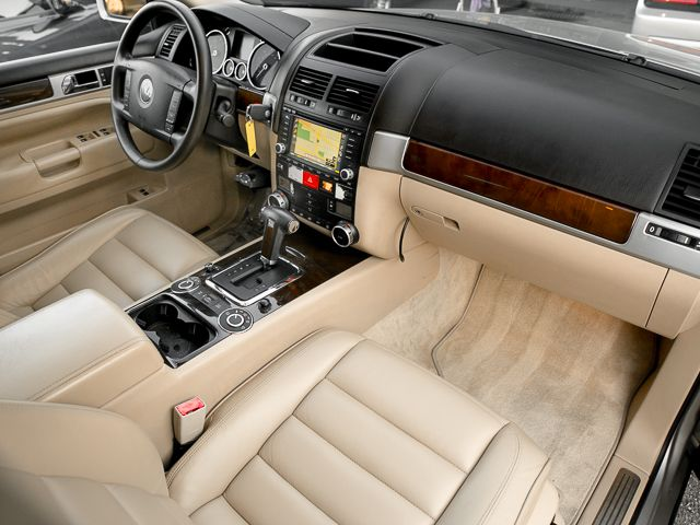 2004 Volkswagen Touareg Burbank, CA 12