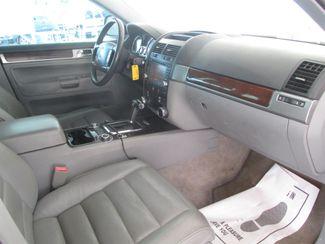 2004 Volkswagen Touareg Gardena, California 8