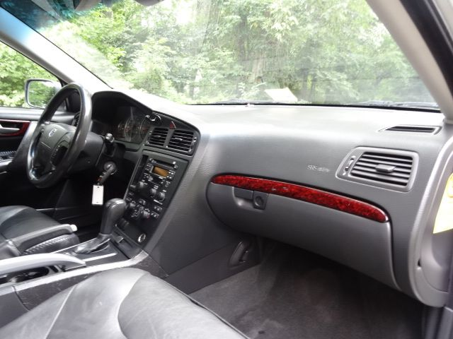 2004 Volvo V70 XC70 Leesburg, Virginia 17