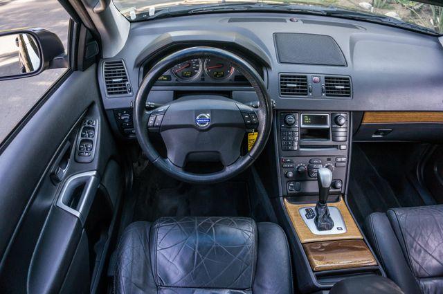 2004 Volvo XC90 Reseda, CA 19