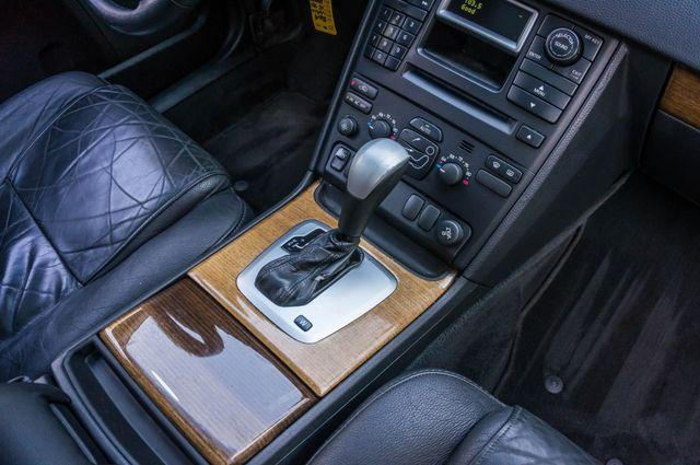 2004 Volvo XC90 Reseda, CA 27