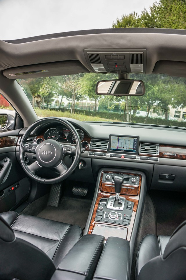 2005 Audi A8 L  AUTO - 73K MILES - NAVI - SPORT PKG - XENON Reseda, CA 37