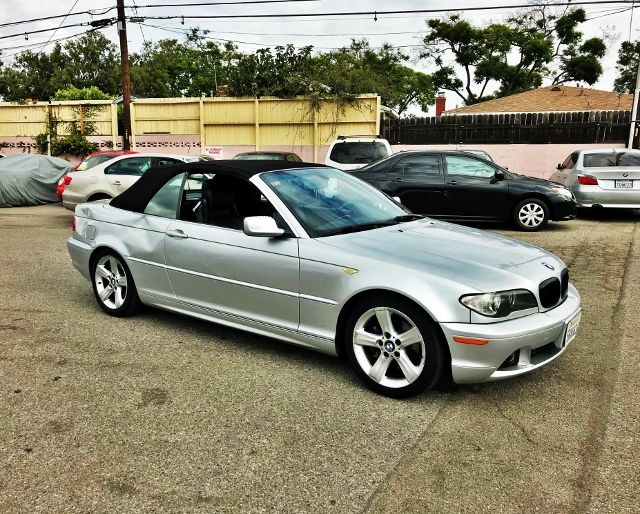 2005 BMW 325Ci Limited warranty included to assure your worry-free purchase AutoCheck report is a
