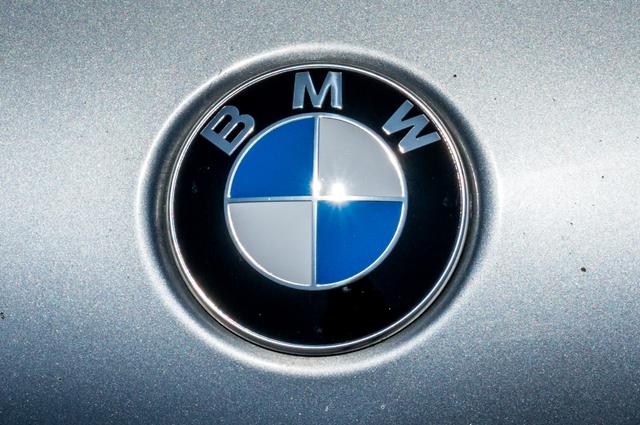 2005 BMW 330xi AWD - PREMIUM PKG - AUTO - HTD STS Reseda, CA 46