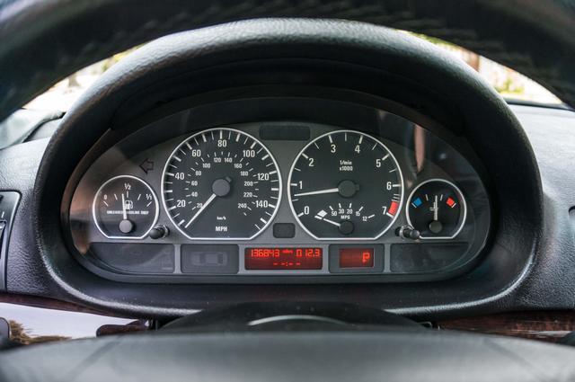 2005 BMW 330xi AWD - PREMIUM PKG - AUTO - HTD STS Reseda, CA 15
