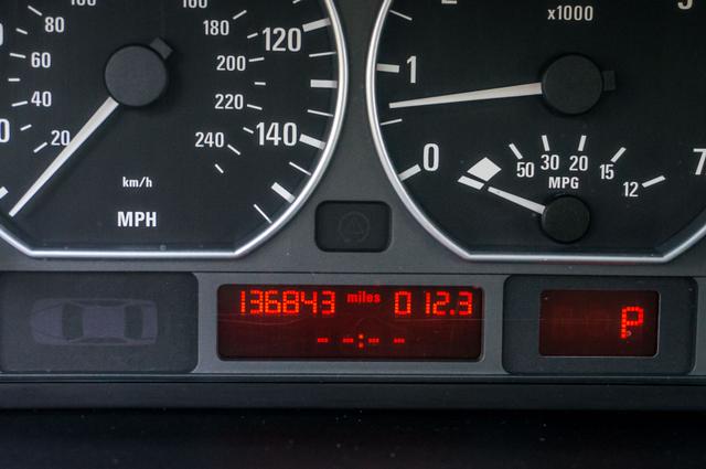 2005 BMW 330xi AWD - PREMIUM PKG - AUTO - HTD STS Reseda, CA 16