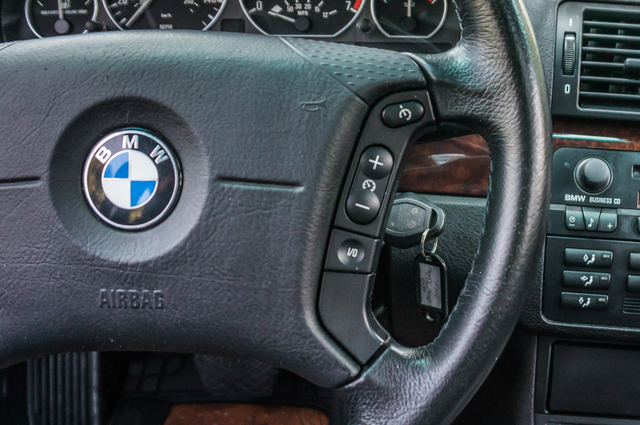 2005 BMW 330xi AWD - PREMIUM PKG - AUTO - HTD STS Reseda, CA 24