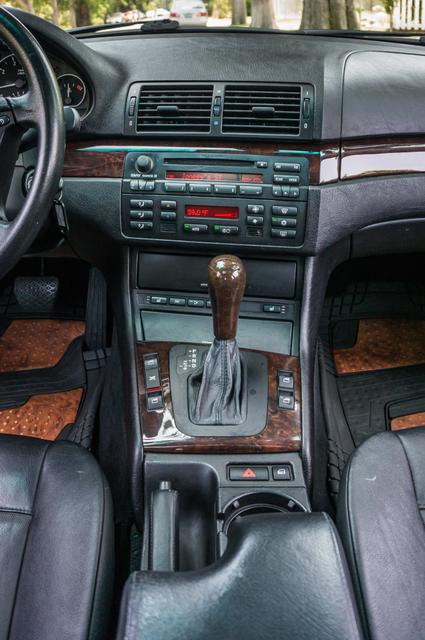 2005 BMW 330xi AWD - PREMIUM PKG - AUTO - HTD STS Reseda, CA 26