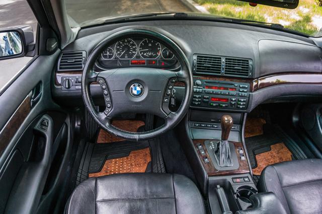 2005 BMW 330xi AWD - PREMIUM PKG - AUTO - HTD STS Reseda, CA 18