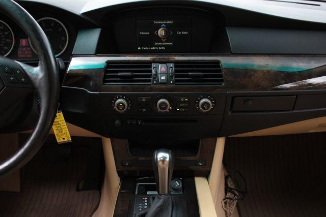 2005 BMW 525i Nav - Sunroof Mooresville , NC 21