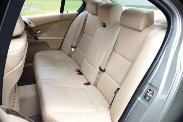2005 BMW 525i Nav - Sunroof Mooresville , NC 23