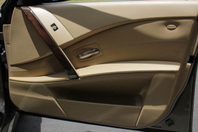 2005 BMW 525i Nav - Sunroof Mooresville , NC 29
