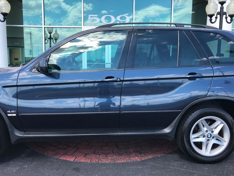 2005 BMW X5 44i   Grayslake IL  Executive Motor Carz  in Grayslake, IL