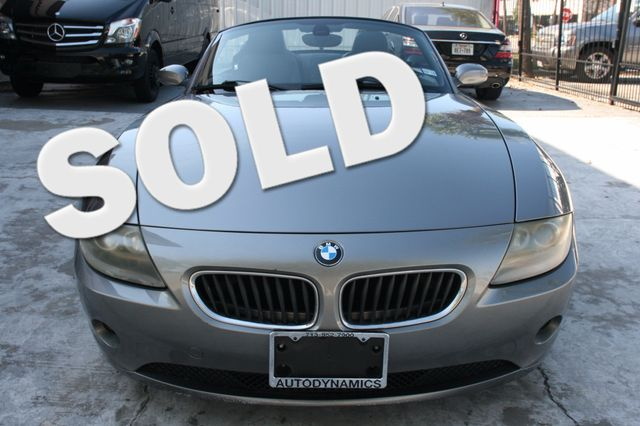 2005 BMW Z4 2.5i Houston, Texas 0
