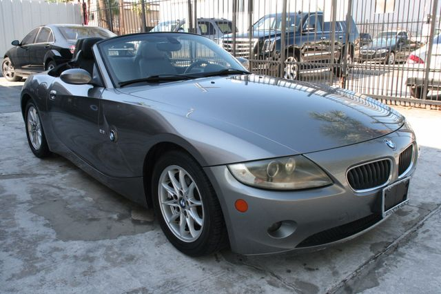 2005 BMW Z4 2.5i Houston, Texas 1