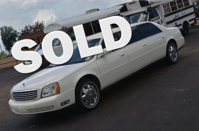 2005 Cadillac DeVille Professional 6 door 3 seat limo Collierville, Tennessee 0
