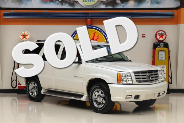 2005 Cadillac Escalade This 2005 Cadillac Escalade comes with 115 611 miles The Escalade has a 6