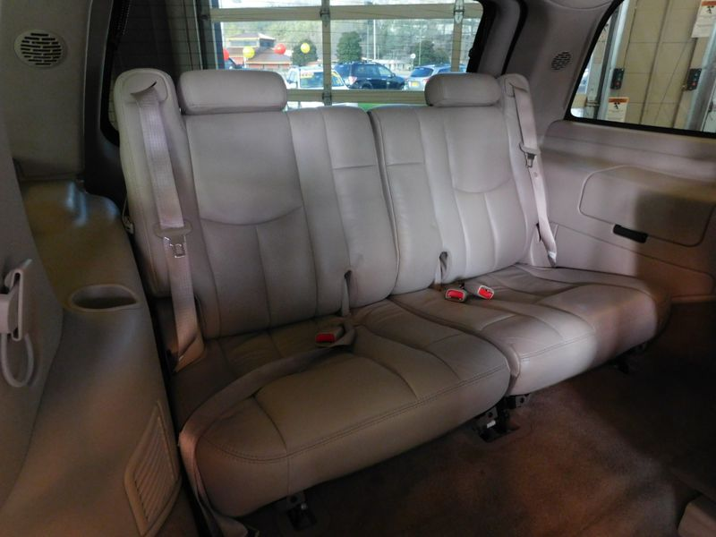 2005 Cadillac Escalade LUXURY  city TN  Doug Justus Auto Center Inc  in Airport Motor Mile ( Metro Knoxville ), TN