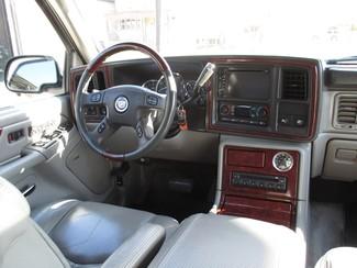 2005 Cadillac Escalade ESV Milwaukee, Wisconsin 13