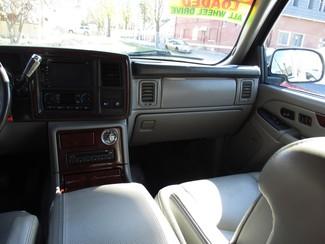 2005 Cadillac Escalade ESV Milwaukee, Wisconsin 14