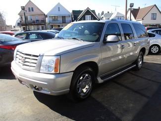2005 Cadillac Escalade ESV Milwaukee, Wisconsin 2