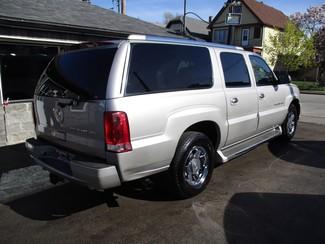 2005 Cadillac Escalade ESV Milwaukee, Wisconsin 3