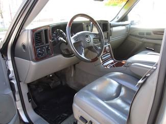 2005 Cadillac Escalade ESV Milwaukee, Wisconsin 6