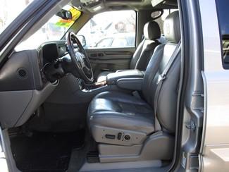 2005 Cadillac Escalade ESV Milwaukee, Wisconsin 7