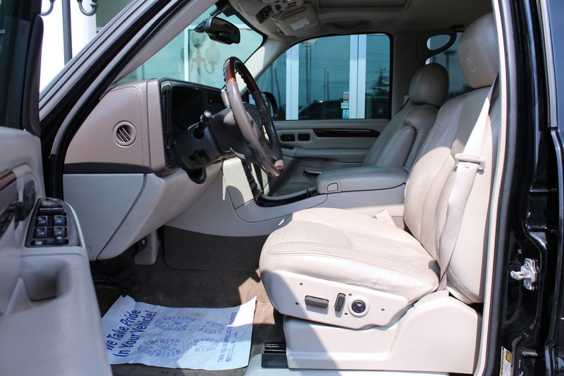 2005 Cadillac Escalade   Grayslake IL  Executive Motor Carz  in Grayslake, IL