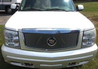 2005 Cadillac-Buy Here Pay Here!! Escalade-3RD ROW-LEATHER- Base-SHOWROOM CONDITION!! Knoxville, Tennessee 1